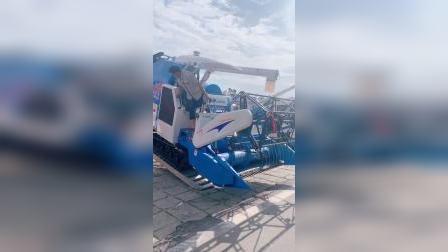 浙江柳林收割机4LZ-5.0B送走虎林廷淳农机
