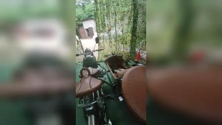 警用版的长江750摩托车