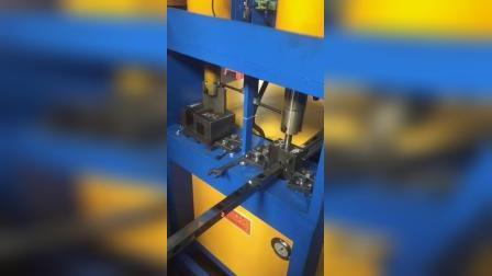 不锈钢方管冲孔调试