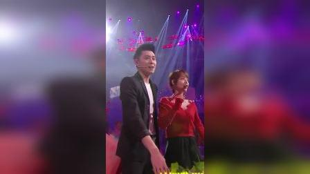 张嘉倪买超满脸宠溺,这是爱情最美的样子 天猫双11狂欢夜 2019 20191110