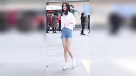 白衬衫搭配牛仔短裤,腿长两米的小姐姐唱二十四节气