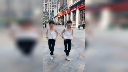 还记得这个舞蹈吗