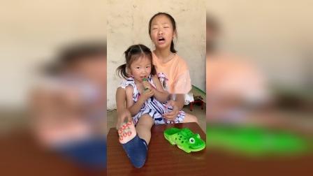 少儿:妹妹的脚上都是啥