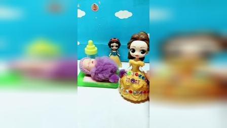 宝宝益智玩具:贝儿没孩子霸道抢走白雪的孩子