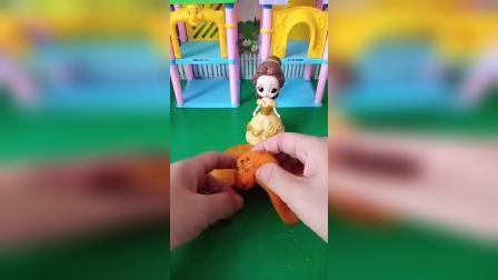 宝宝益智玩具:贝儿的沙皮胶生虫子了