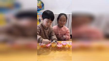 少儿:一起吃果冻吧