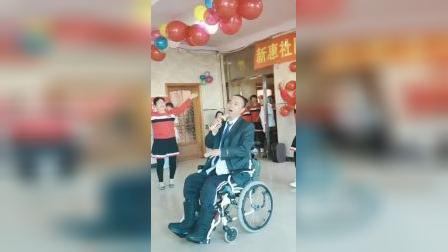 新惠社区阳光艺术团给敬老院老人联欢