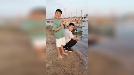童年:猪爷爷在钓鱼