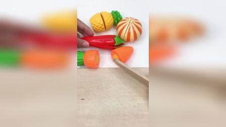 水果蔬菜切切看,一起来切水果啦