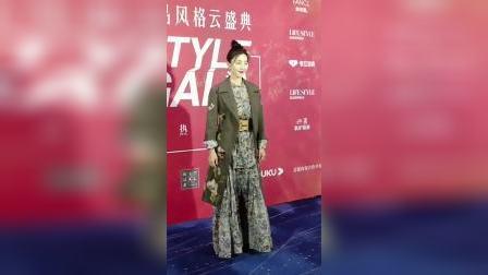 #王丽坤 挑战帅气军装风礼服!#演员#明星#女神
