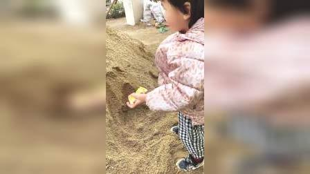 亲子游戏:小五在挖宝藏