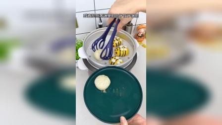 在家煮鸡蛋拿的时候烫手,用这个架子再也不怕了