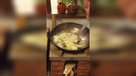 迷你厨房:粉丝点菜:地三鲜,这个颜色看上去就很有食欲呀