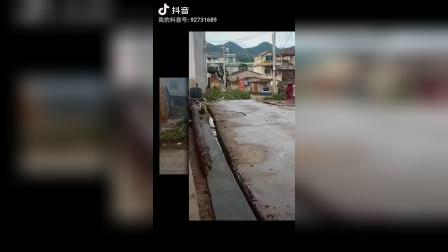 云南省宣威市羊场镇兔场村委会新德村,徐周克的父亲感冒好些了哦,朋友们一起看看吧!