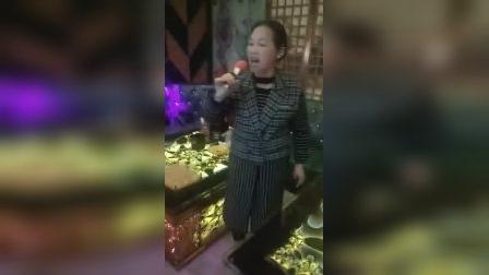 🌹为庆祝三八妇女节。练习唱歌。点赞🌹