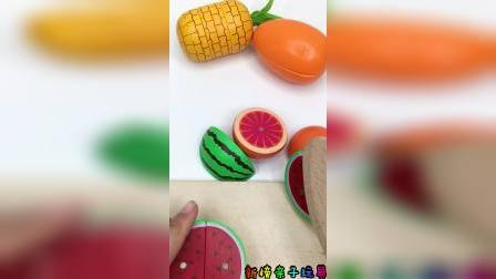 快来一起水果啦,切西瓜和菠萝啦