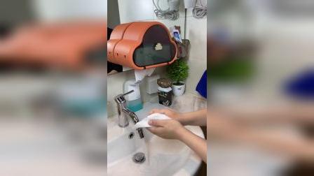 洗手间里的纸巾容易湿,用这个置物架