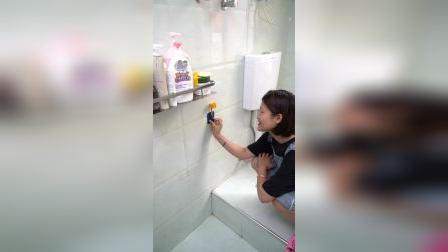给浴室多装两个花洒支架,你知道有多方便吗