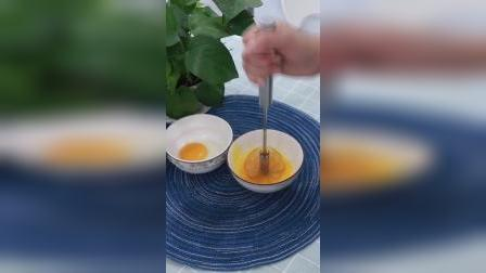 不要再用筷子打鸡蛋了,试试这个打蛋器吧
