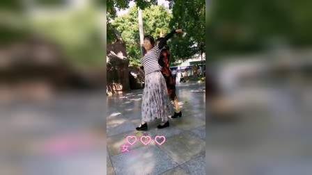 三月里的小雨交谊舞(伦巴完整版,由我与唐媚舞友,阿芳舞友,本地靓姨舞友跳)原创