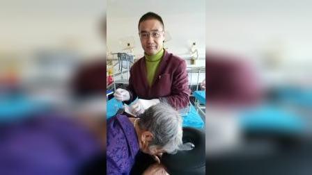 多年久治不愈的偏头痛老人,慕名而来《忠祥中医养生堂》行针灸治疗,针出头痛逐渐消失,效果杠杠的!