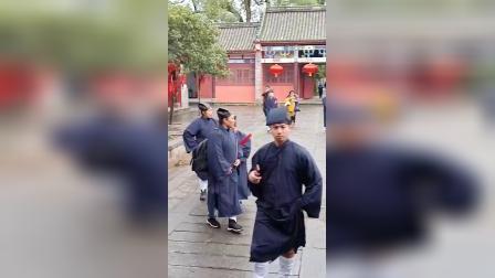 蔡佳成道长带众弟子参加龙虎山天师府传度法会