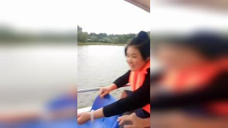 段雅倩苏景贤龙湾公园划船