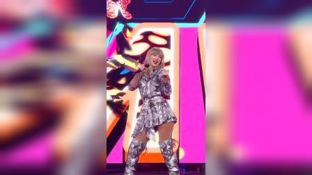 Taylor swift压轴献唱《Me!》,惊艳嗨翻全场
