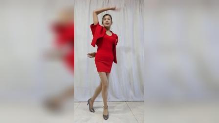 :阿文樂樂广场舞、竖屏《桥边姑娘》海伦演唱