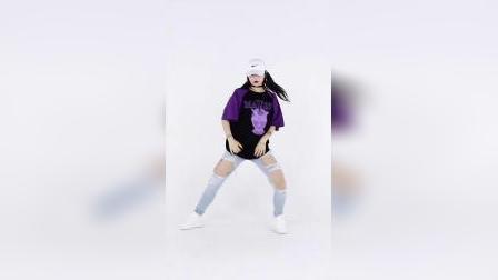 来自武汉SUP的阿雯老师的帅气#shake##编舞