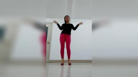 广场舞专曲《舞起来嗨起来》歌声有力 舞步带劲
