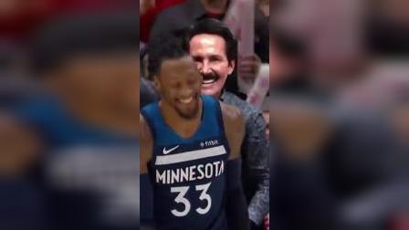 NBA欢乐多!投篮秒变摆拍,同队队友互相伤害