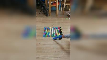 小海星图案 7岁孩子摆多米诺
