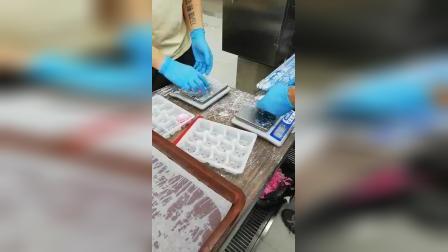 水晶蝦饺机生产彩色水晶蝦饺.mp4