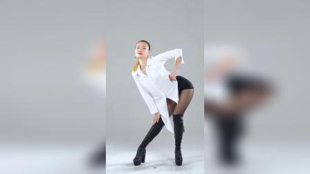 《舞天团 佐名》#美女 #热舞 #大长腿 #跳舞 ZUOMING NO7 Y S