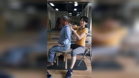 SPS螺旋肌肉链训练坐姿一对一纠正改善手痛手麻手痛肩颈疼痛