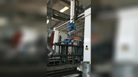 龙门架机器人倒装焊接(矿机侧架)