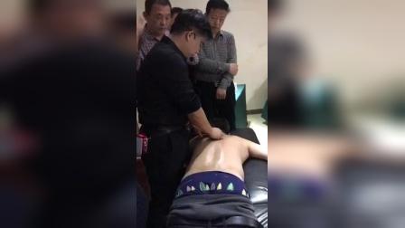 胡青耀连环锁平衡定骨胸椎脊柱腰椎治疗手法课堂教学视频_标清