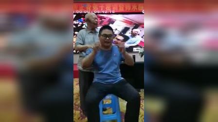 黄炳荣妙手黄轻手法正骨治疗颈椎病头痛头晕手法教学_标清
