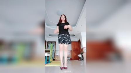 敏儿长发姐姐广场舞
