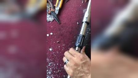 锂电锁扣更换视频