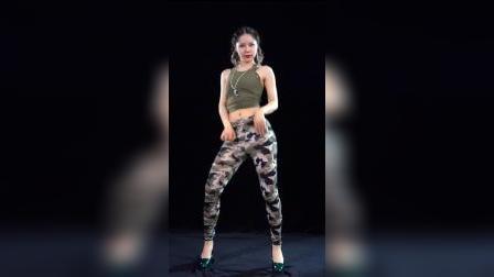 【舞艺吧 蓉儿】#舞蹈 #广场舞 #美女 #大长腿 RongerNO58YS