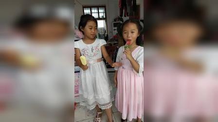 童年趣事:姐姐抢妹妹的糖吃