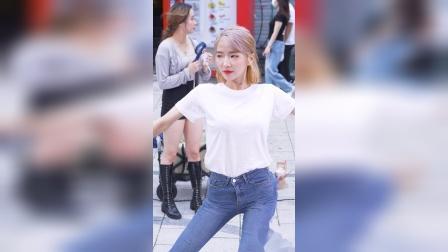 性感女团 牛仔裤舞蹈 롤러코스터(청하.mkv