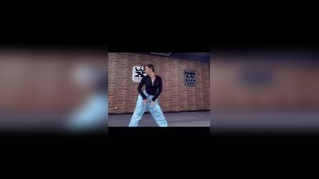 舞型JAZZ晚班结课视频新鲜出炉 烨烨老师原创编舞BLACKPINK—BOOMBAYAH 喜欢的小伙伴滴滴我报名哦