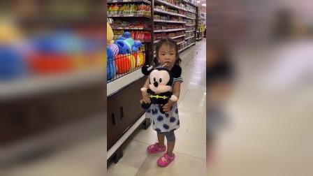 少儿:和妹妹一起有新的玩具了