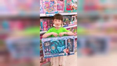 童年趣事:姐姐想买玩具妈妈说不能买