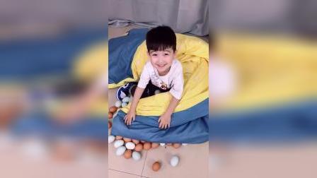 少儿益智:宝宝被子里怎么那么多鸡蛋