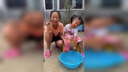 少儿:热水好烫