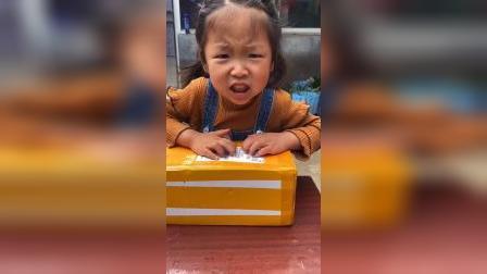 少儿:拆包裹快递